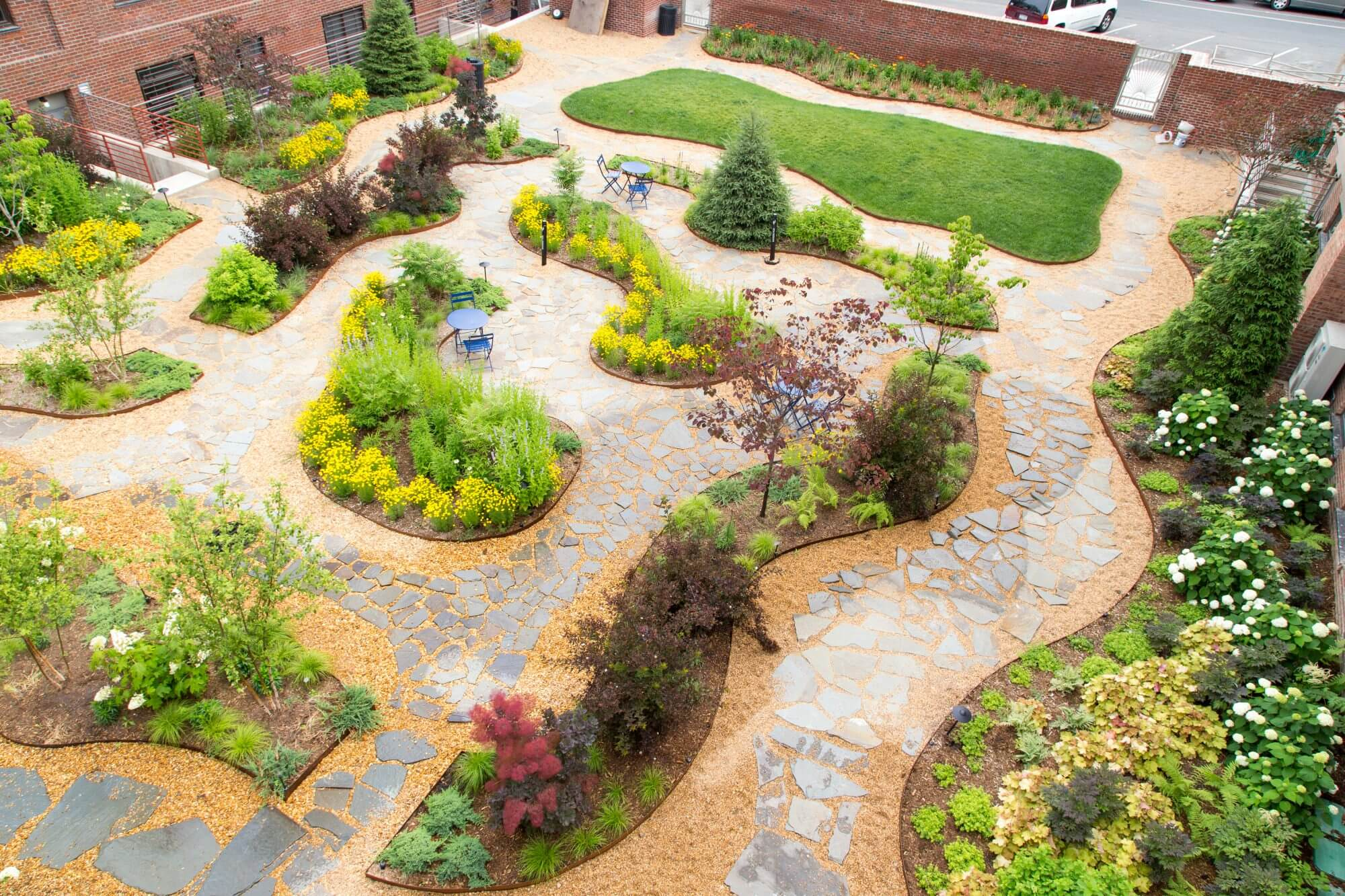 Highview Creations - Residential Green Roof for Maujer Courtyard