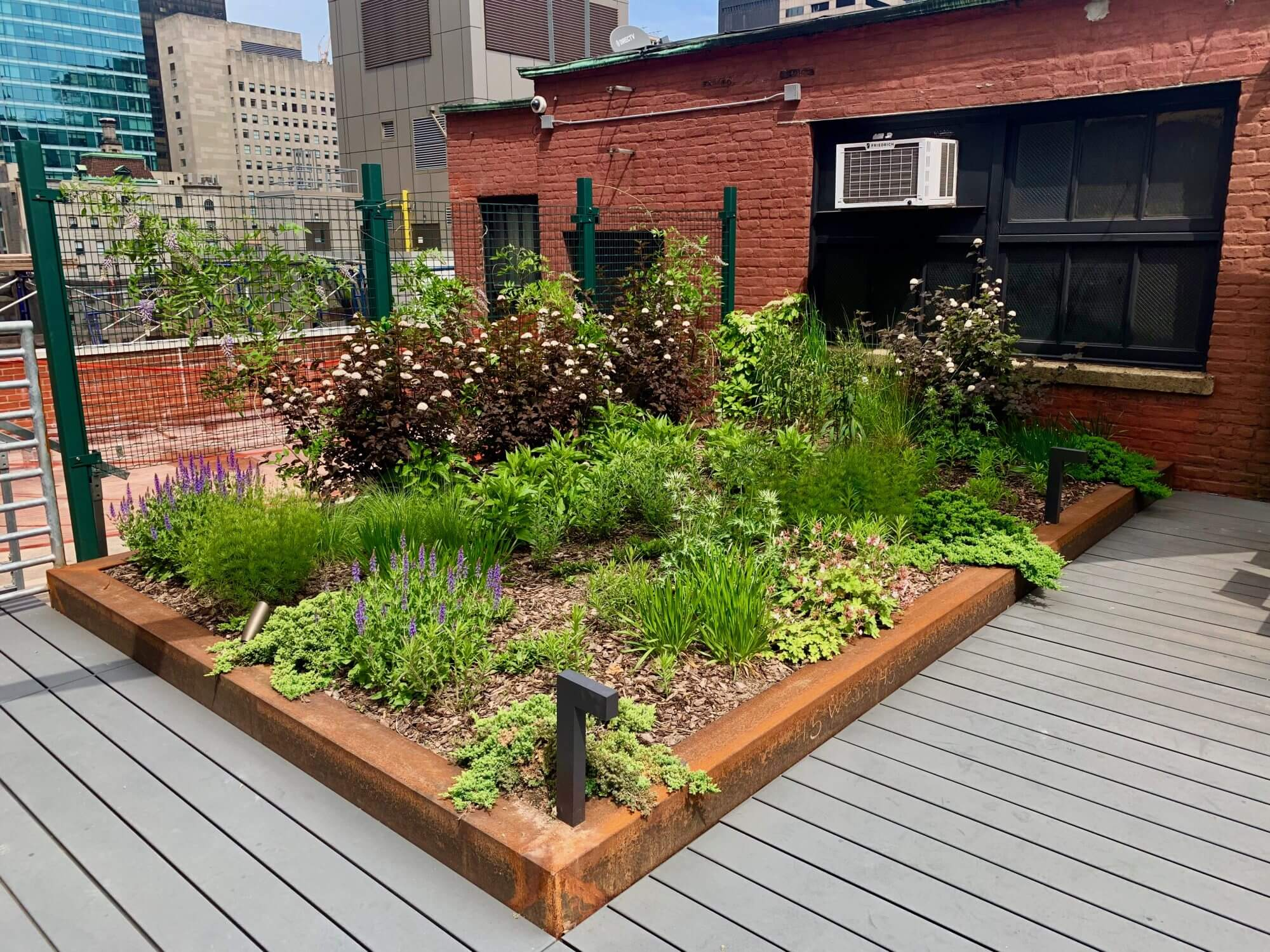 Highview Creations - Commercial Green Roof for 45 W 45th