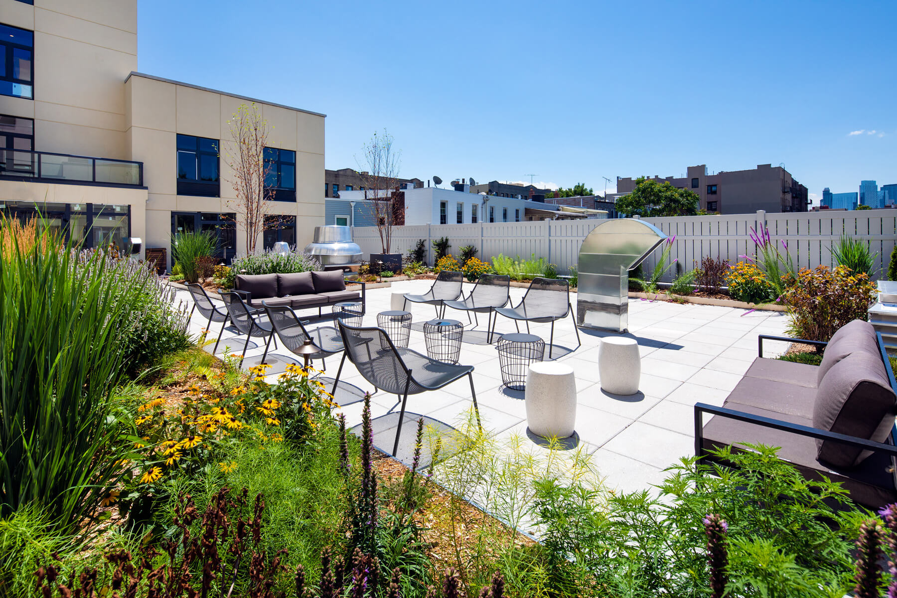 Highview Creations - Residential Green Roof for Astor Broadway
